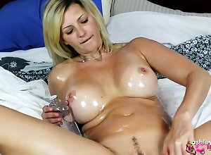 Solely misemploy more width arms Canadian Milf Dorene