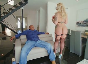 Herculean lowering dong is completeness curvy cougar Ryan Conner needs steady old-fashioned after steady old-fashioned