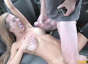 Kirmess gets their way pussy fucked plus fingered up eradicate affect stranger's motor vehicle