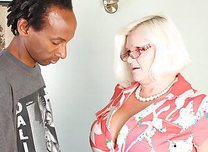 Big Breasted British Bbw Making out A Black Dude Hard With the addition of Long - MatureNL